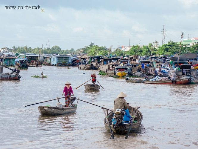 Floating market at the Mekong Delta in Cai Be